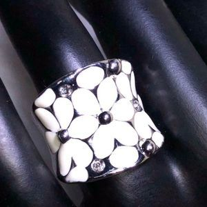 Silver Beveled Statement Ring w/White Flowers